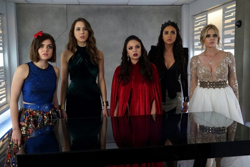 Pretty Little Liars - FaceToFace